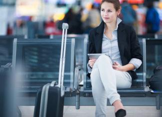 girl_at_airport