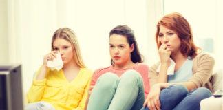 girls_watching_movies